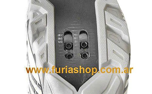 http://www.furiashop.com/fotos_productos/pedales_fijar_la_cala_shimano_pedal_mtb_1.jpg